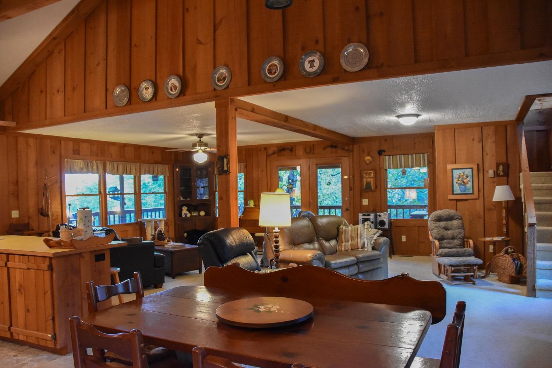 firplace open floor plan